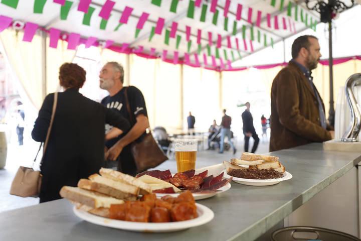 Feria de la morcilla en la Plaza Mayor. F. Otero Perandones.