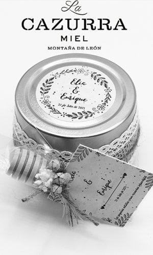 la-cazurra-ladespensa-deldiariodeleon_0000_Bote detalle boda Elia